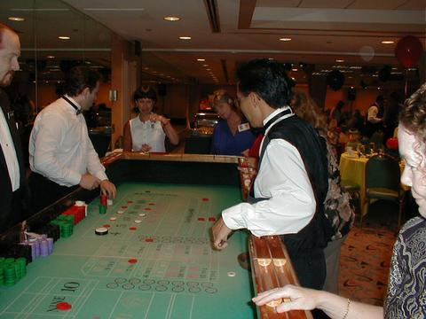 02_at%20the%20craps%20table.jpg