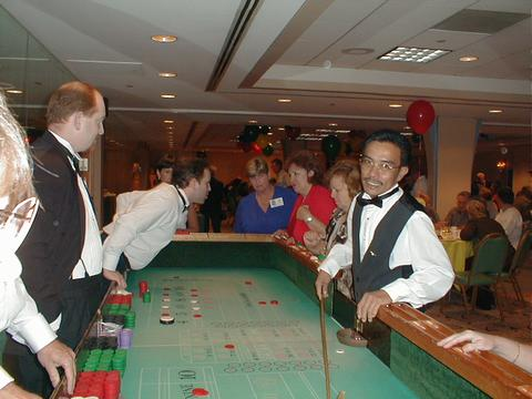 03_at%20the%20craps%20table.jpg